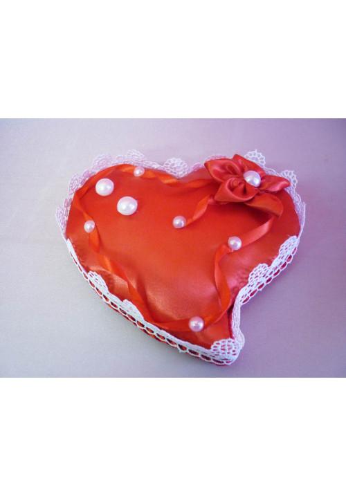 Подставка под кольца в виде сердца красная